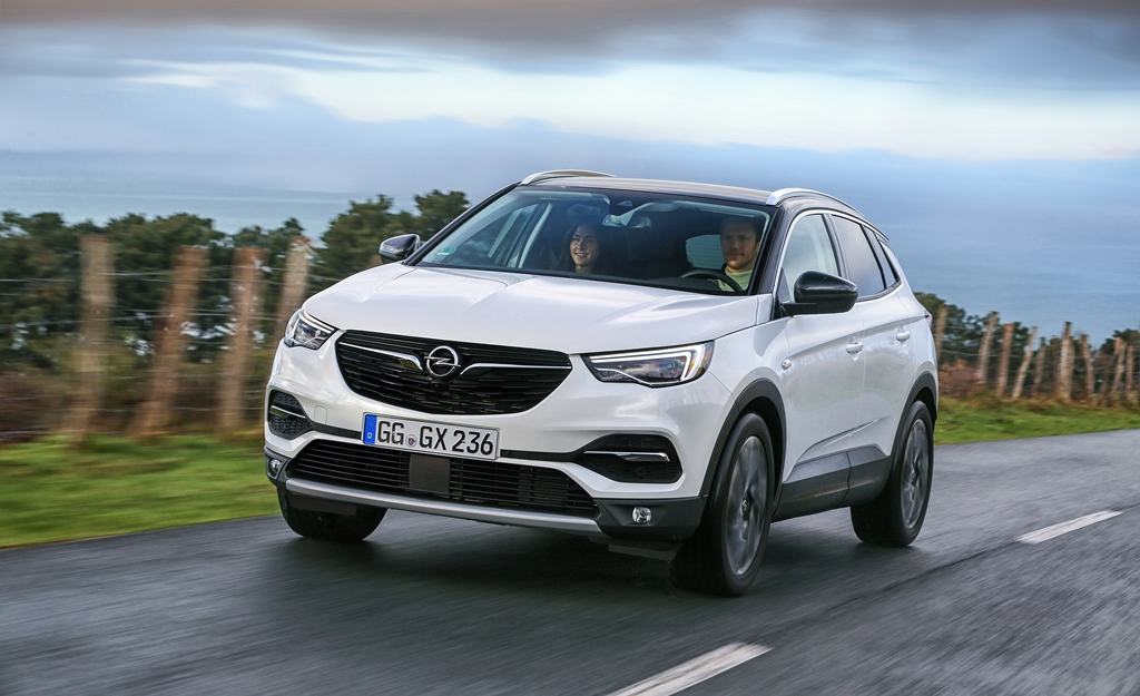 opel grandland x ultimate donan m seviyesi le sat a sunuldu piston kafalar. Black Bedroom Furniture Sets. Home Design Ideas